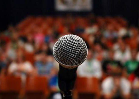 Alumni klub Alma Mater vabi na predavanje Retorika in javno nastopanje